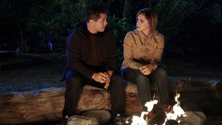 Rachel Bloom's Crazy Ex-Girlfriend - Campfire